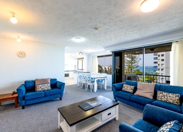 kings-beach-holiday-apartments-02