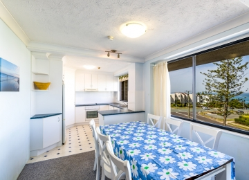 kings-beach-holiday-apartments-03