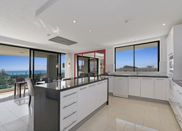 Caloundra-Holiday-Apartments-9